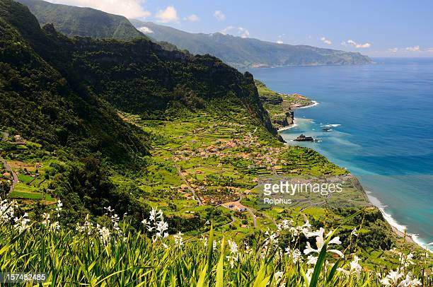 madeira rough und beautiful coast in north - lareira stock pictures, royalty-free photos & images