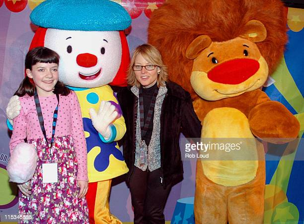 Madeleine Martin JoJo Jodie Foster and Goliath during 'JoJo's Circus' Balloon Inflation Party November 23 2005 at The Powerhouse at the Museum of...