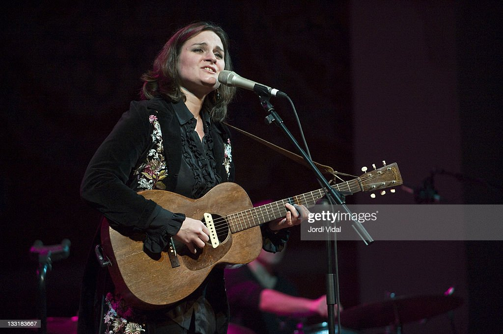 Madeleine Peyroux performs on stage at Palau De La Musica on November 17, 2011 in Barcelona, Spain.
