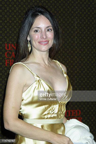 Madeline Stowe arriving at the Louis Vuitton United Cancer Front Gala Holmby Hills CA 10/27/03