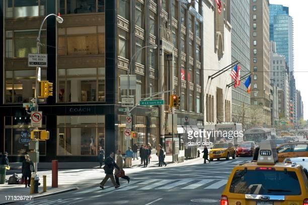 madison avenue, new york - madison avenue foto e immagini stock