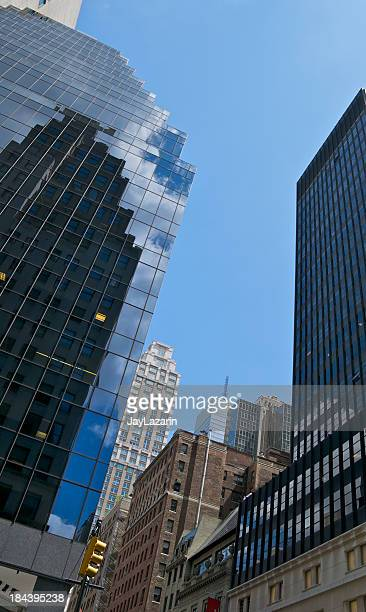 madison avenue, manhattan cityscape, new york city - madison avenue stock pictures, royalty-free photos & images