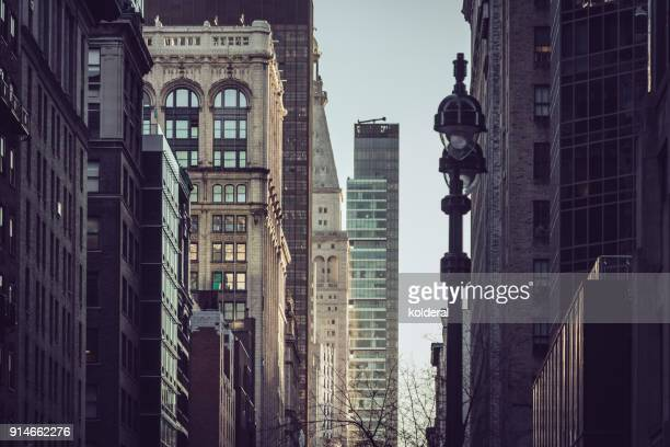 madison avenue towards metlife building  . manhattan, new york - madison avenue stock pictures, royalty-free photos & images