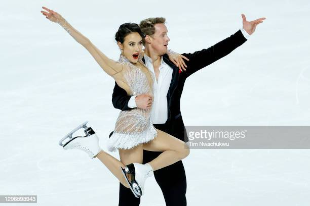 Madison Chock and Evan Bates compete in the rhythm dance program during the U.S. Figure Skating Championships at the Orleans Arena on January 15,...