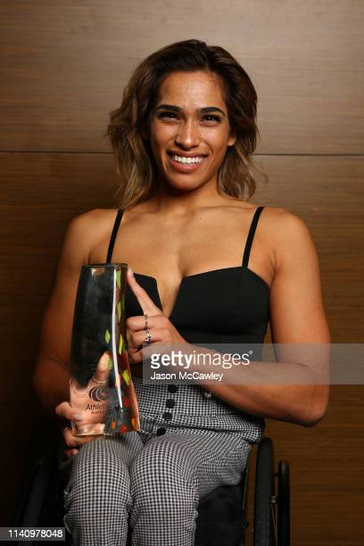 Madison de Rozario poses with the Female Para Athlete of the Year Award during the Athletics Australia Gala Dinner at Freshwater Ballroom on April 07...