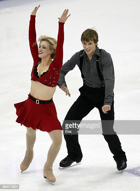 Madison Hubbell and Kieffer Hubbell compete in the original dance during the AT&T US Figure Skating Championships on January 22, 2009 at the Quicken...