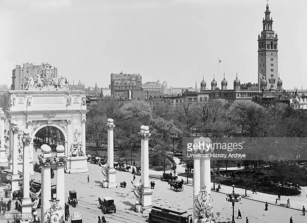 Madison Square and Dewey Arch, New York City, USA, circa 1900.