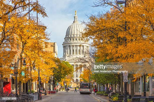 madison wisconsin capital state street view - madison wisconsin stock pictures, royalty-free photos & images