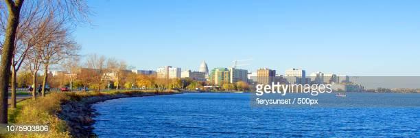 madison wisconsin skyline - lake monona - iowa_county,_wisconsin stock pictures, royalty-free photos & images