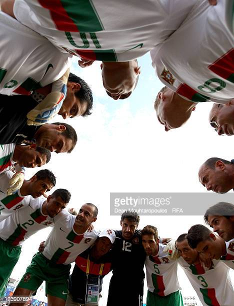 Madjer of Portugal speaks to his players in the break during the FIFA Beach Soccer World Cup Group B match between Portugal and Oman at Stadium del...