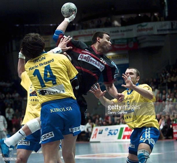 24 Madlen BOJINOVIC Oleg KULESCHOW/IRUN Juan DOMINGUEZ/Magdeburg