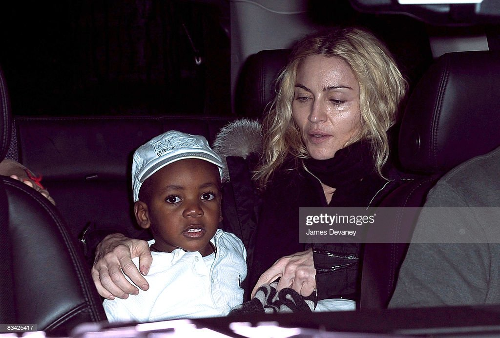 Celebrity Sightings in New York - October 24, 2008