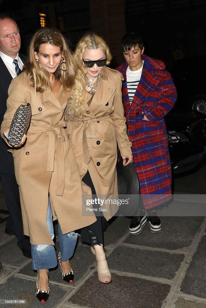 Celebrity Sightings : Paris Fashion Week Womenswear Spring/Summer 2019 : Day Seven : News Photo