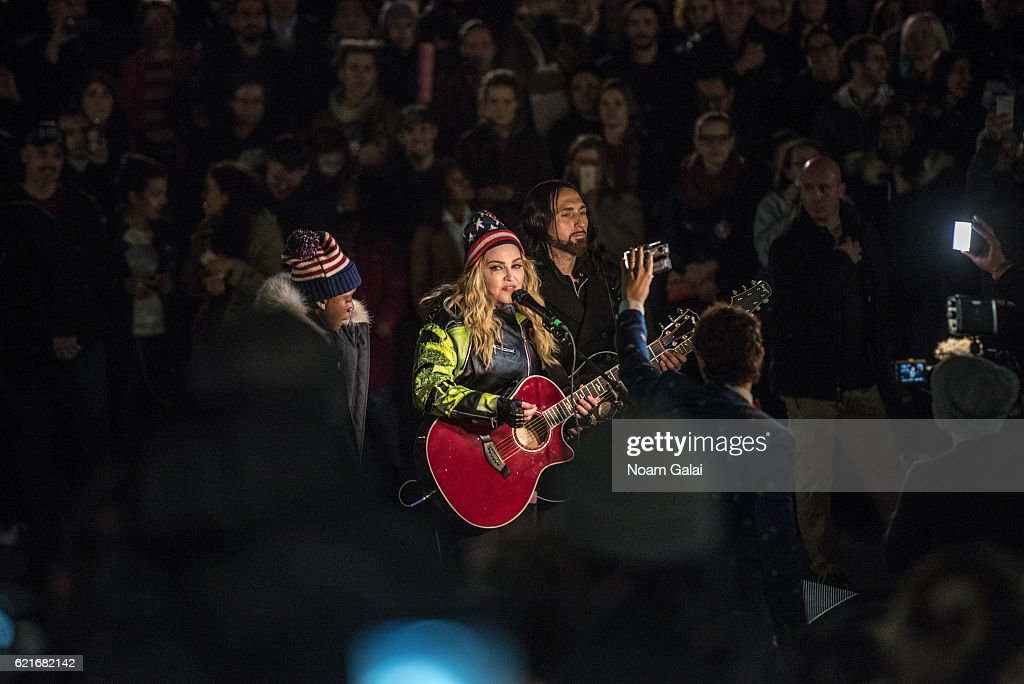Madonna Holds A Rally In NYC To Support Hillary Clinton : News Photo