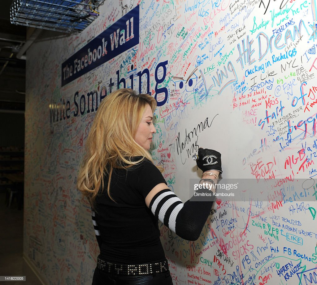 Madonna signs the Facebook wall before her livestream