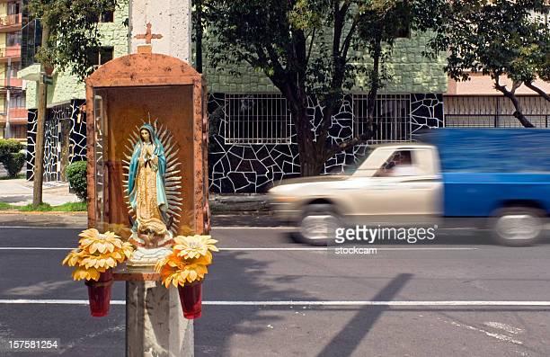 madonna estatua, ciudad de méxico - festival de la virgen de guadalupe fotografías e imágenes de stock