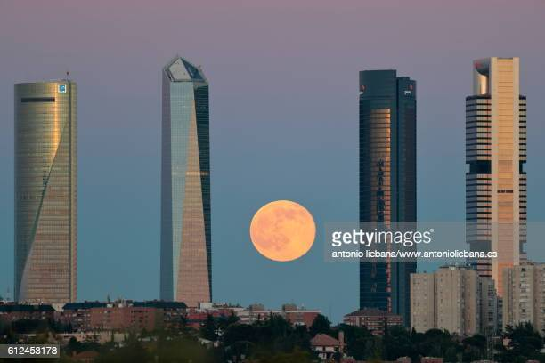 madrid 4towers with moon