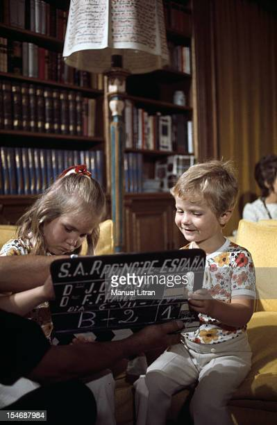 Madrid July 1971 In the palace of the Zarzuela the Infanta Elena and Prince FELIPE both dressed identically play with a clap of cinema