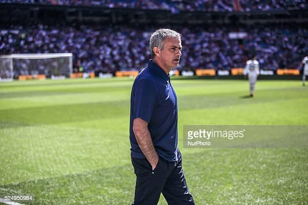Madrid June 1 2013 Jos���� Mourinho entra in campo per la sua ultima partita come allenatore del Real Madrid CF prima di iniziare la partita Liga tra...