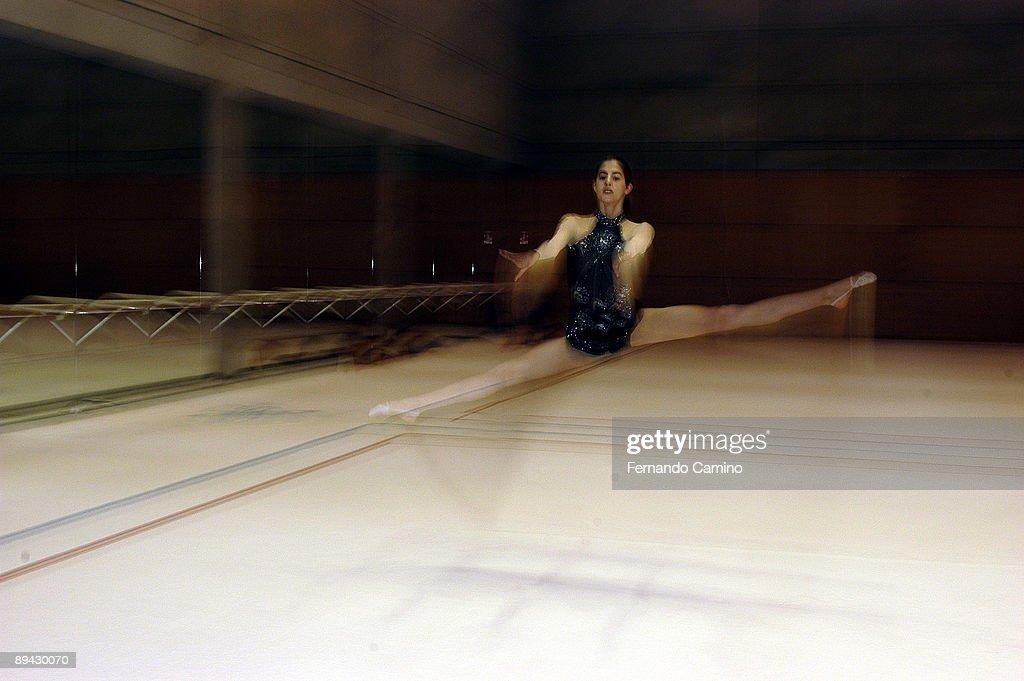 19.10.2003. Madrid. Lara Gonzalez, gymnast of the Spanish Olympic Team. : News Photo
