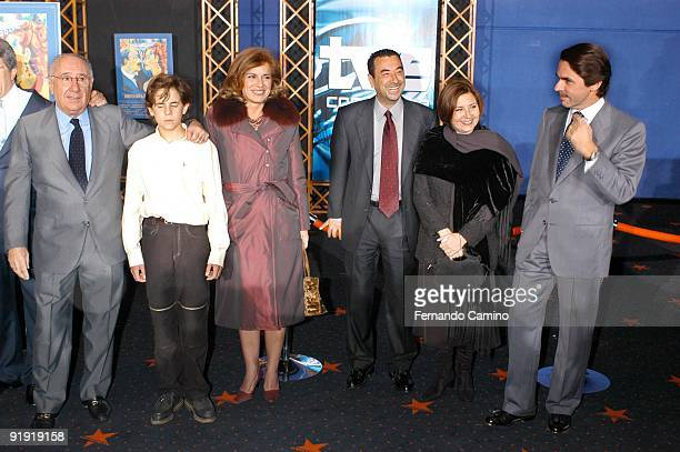 21102002 Madrid Preopening of the film ´Historia of a Beso´ of the cinema director Jose Luis Garci Alfredo Landa Manuel Lozano Ana Bottle Jose Luis...