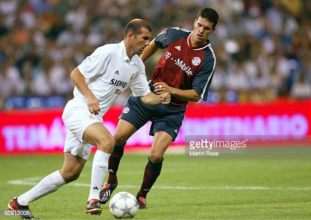 FINALE Madrid REAL MADRID FC BAYERN MUENCHEN 12 Zinedine ZIDANE/Madrid Michael BALLACK/Bayern