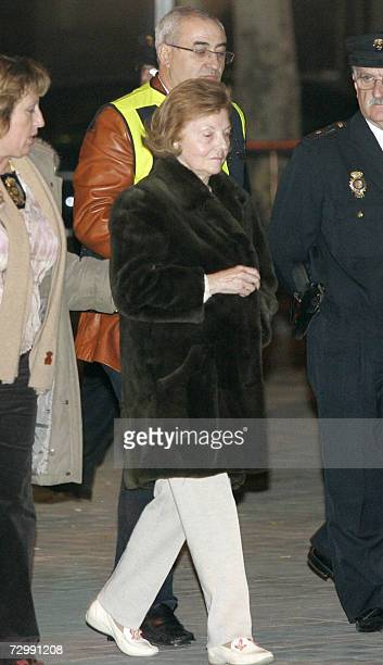 Argentina's expresident Isabel Peron walks away from the Audencia Nacional in Madrid following her release 12 January 2007 Peron was arrested at her...