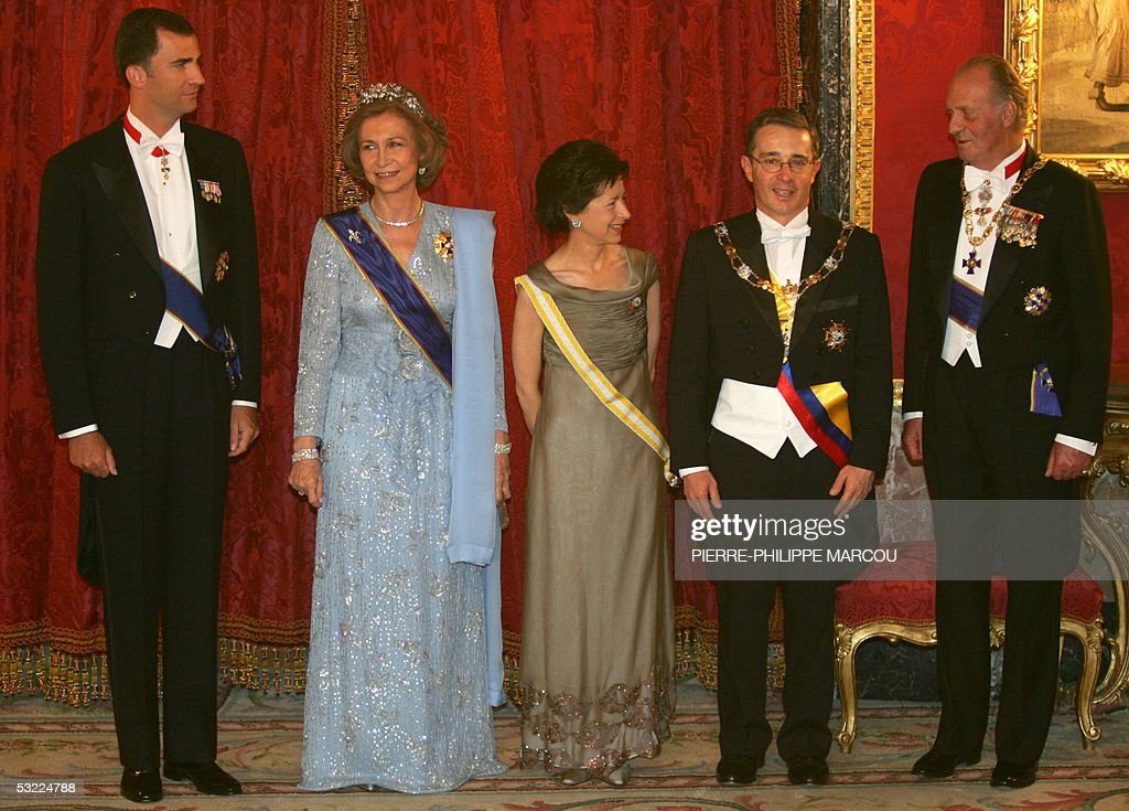 Prince Felipe, Queen Sofia, Lina Uribe, Colombian President Alvaro Uribe and King Juan Carlos of Spain pose in Oriente's Palace in Madrid, 11 July 2005.