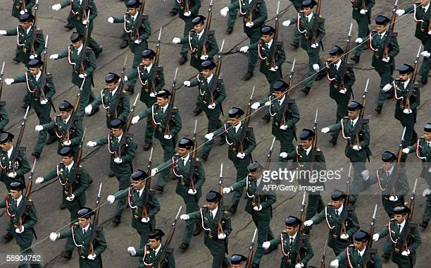Members of the Guardia Civil march during the Spanish national day army parade in Madrid 12 October 2005 AFP PHOTO/ Bru Garcia