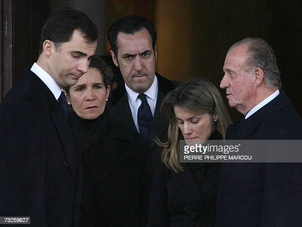 Members of the Spanish Royal family Prince Felipe Princess Elena her husband Jaime de Marichalar Princess Letizia and King Juan Carlos leave the...