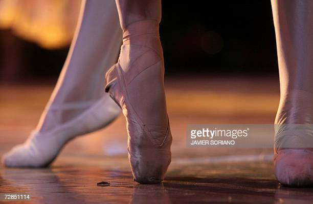 Moscow Classic Ballet dancers perform during a rehearsal of 'The Nutcracker Suite' in Madrid 19 December 2006 AFP PHOTO JAVIER SORIANO