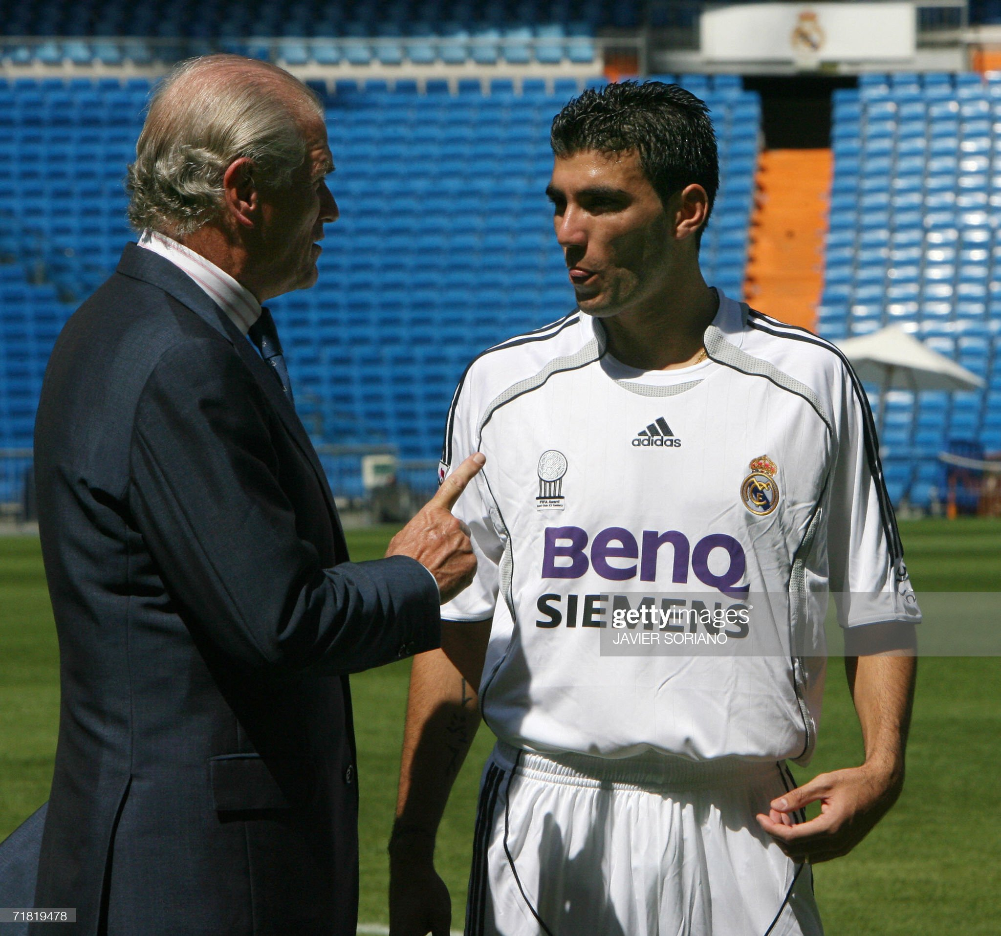 ¿Cuánto mide Ramón Calderón? Madrid-spain-real-madrids-new-signing-jose-antonio-reyes-talks-to-picture-id71819478?s=2048x2048