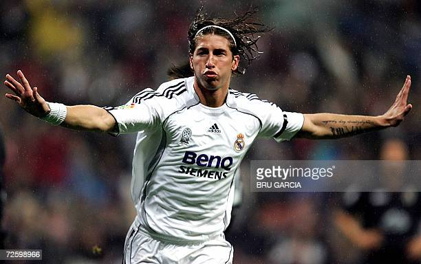 Real Madrids Sergio Ramos celebrates his goal against Racing Santanders during a Spanish league football match 18 November 2006 at the Santiago...