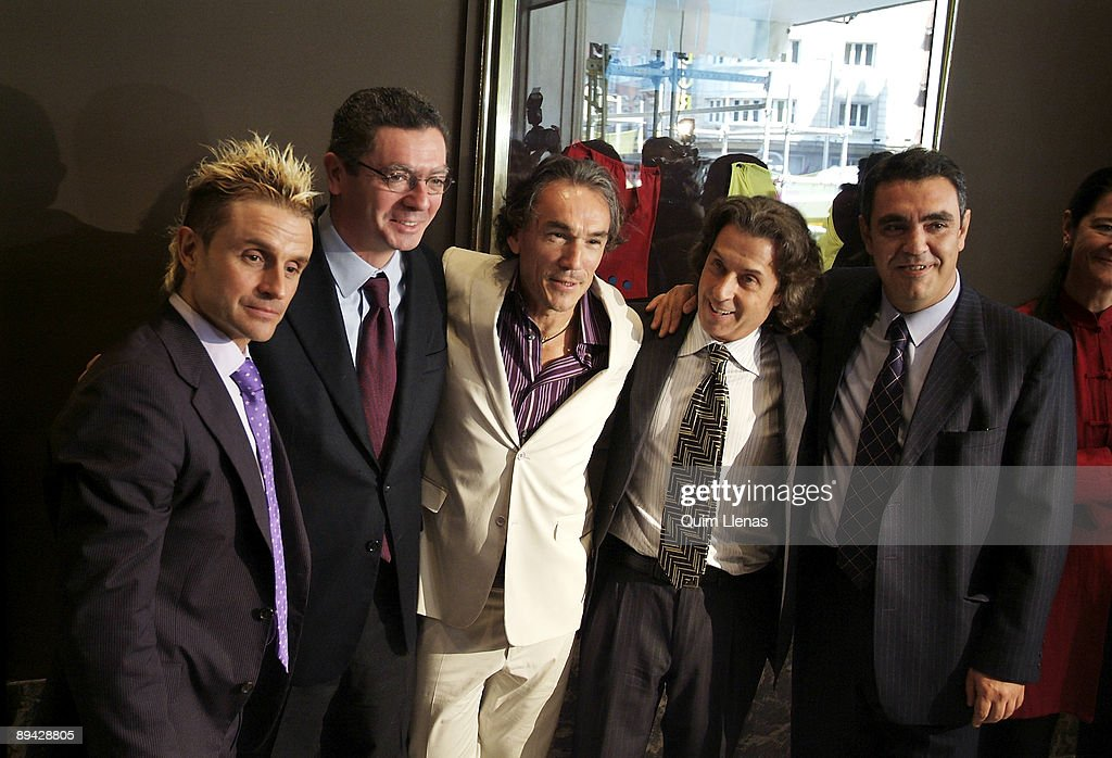 05.04.2005. Madrid, Spain. The mayor of Madrid, Alberto Ruiz Gallardon, has inaugurated the new theater 'Movistar', where is going to premiere the musical 'Hoy no me puedo levantar' ('I can't raise today'). Nacho Cano, the director of the spectacle, and J : News Photo