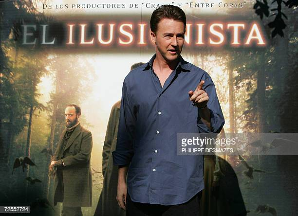 US actor Ed Norton poses during the presentation of his film 'The Illusionist' in Madrid 15 November 2006 AFP PHOTO/PHILIPPE DESMAZES