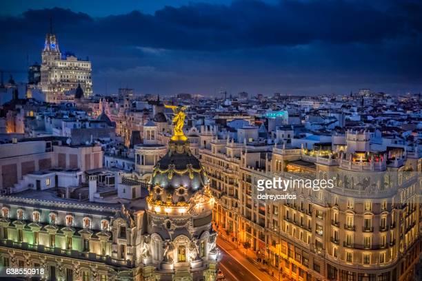 madrid streets at night of gran vía - gran via madrid fotografías e imágenes de stock