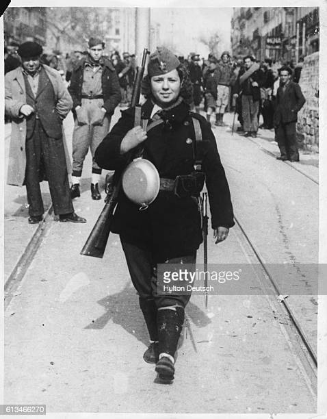 A Madrid woman leaves for the southern front of the city to join the 5th Battallion Infantry fighting against the rebel nationalist forces | Location...