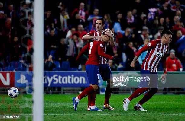 Atletico de Madrid's French forward Antoine Griezmann Celebrates a goal during the UEFA Champions League 2015/16 match between Atletico de Madrid and...