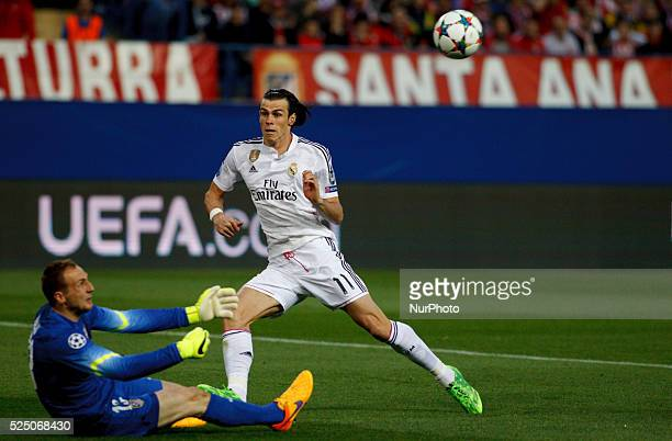 Atletico de Madrid's Slovenian goalkeeper JAN OBLAK and Real Madrid's Welsh forward Gareth Bale during the Champions League 2014/15 Round of 8 first...