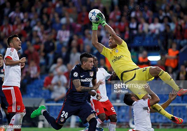 Benfica's Brazilian goalkeeper J��lio C��sar during the Champions League 2015/16 match between Atletico de Madrid and Benfica, at Vicente Calderon...