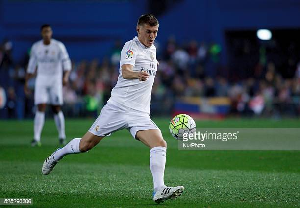 Real Madrid's German midfielder Toni Kroos during the Spanish League 2015/16 match between Atletico de Madrid and Real Madrid at Vicente Calderon...