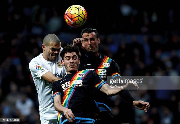 Real Madrid's Portuguese Defender Pepe and Rayo Vallecanos Spanish Defender ANTONIO AMAYA CARAZO during the Spanish League 2015/16 match between Real...