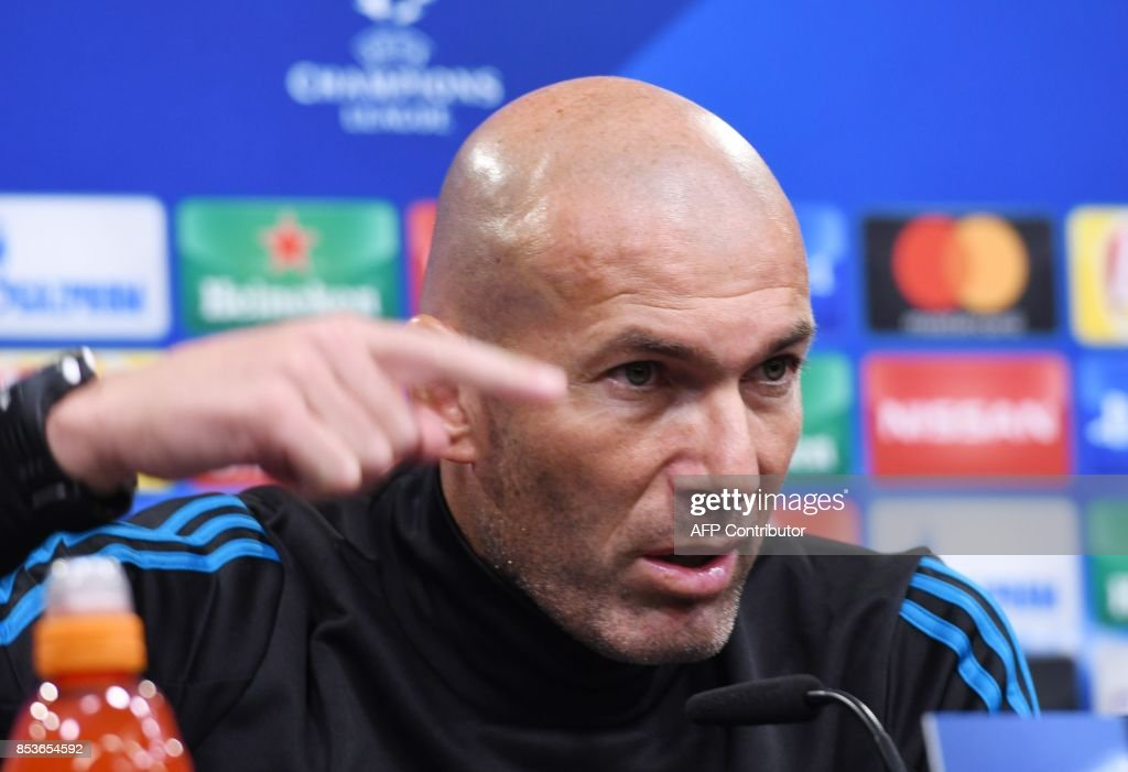 Madrid´s French head coach Ziendine Zidane attends a press conference on the eve of the Champions League Group H football match Borussia Dortmund vs Real Madrid on September 25, 2017 in Dortmund, Germany. /