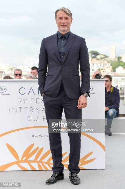 """Mads Mikkelsen attends the """"Arctic"""" Photocall during the 71st annual Cannes Film Festival at Palais des Festivals on May 10, 2018 in Cannes, France."""