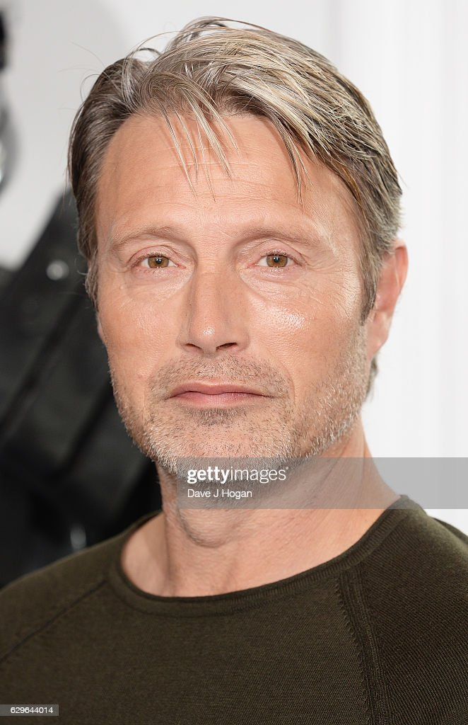 Mads Mikkelsen attends the 'Rogue One: A Star Wars Story' photocall at The Corinthia Hotel on December 14, 2016 in London, England.