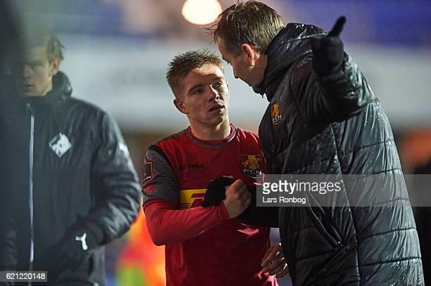 Mads Mini Pedersen of FC Nordsjalland speaks to Kasper Hjulmand head coach of FC Nordsjalland during the Danish Alka Superliga match between Randers...