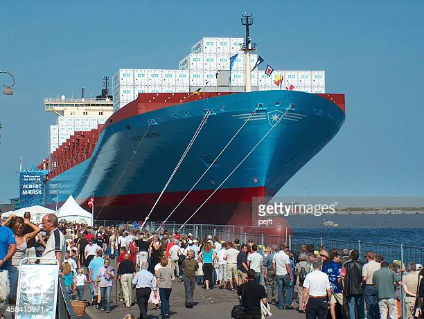 maersk line container ship albert - maersk stock pictures, royalty-free photos & images