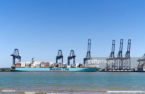 maersk line container ship with cranes at felixstowe - maersk stock pictures, royalty-free photos & images