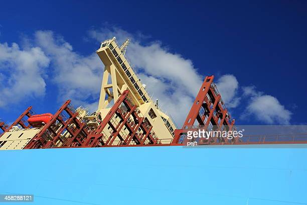 maersk line triple-e container ship majestic mærsk - pejft stock pictures, royalty-free photos & images