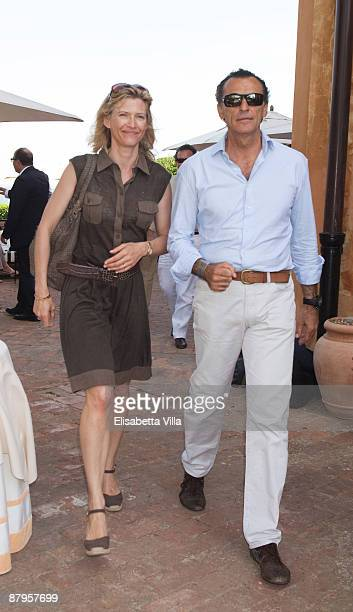 Mafalda D'Assia and Ferdinando Brachetti Peretti attend a picnic brunch at La Posta Vecchia on May 24 2009 in Ladispoli Italy